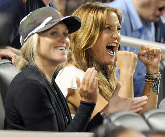 Lexi Vonderlieth and Kate Hudson enjoy the Yankees vs. Mets game